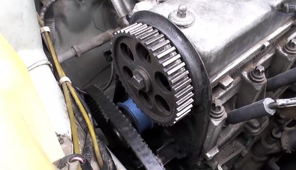 Почему жрёт ремень грм ВАЗ-2114 с левой стороны: фото и видео