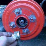 Замена задних тормозных колодок на Шевроле Авео: фото и видео
