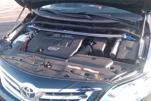 Как снять передний бампер на Тойота Королла e150: фото и видео