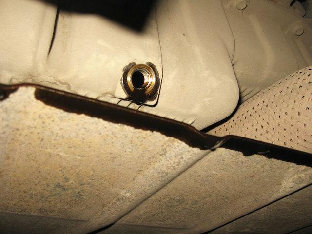 Как слить бензин из бака Лада Ларгус: фото, видео