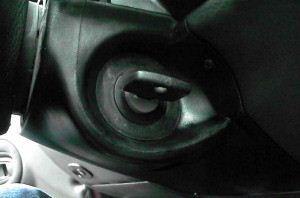 Замена личинки замка зажигания на Дэу Нексия: алгоритм снятия