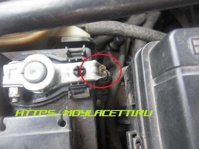 Где находится масса двигателя на ВАЗ-2114: фото массы на кузов