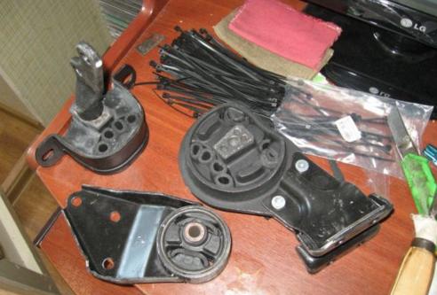 Замена подушек двигателя на ВАЗ-2114: передняя подушка, видео