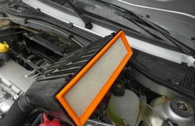 Замена воздушного фильтра на Лада Ларгус 16 клапанов: видео, фото