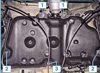 Какой объём бака на дизельном Рено Дастер?