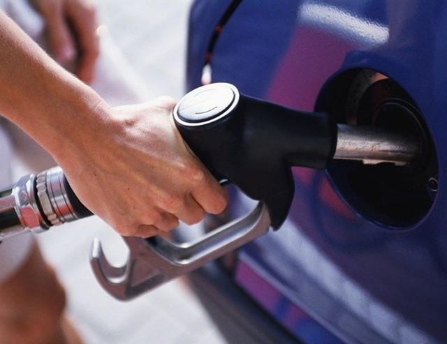 Сколько бензина можно залить в бензобак Лада Гранта: объём в литрах
