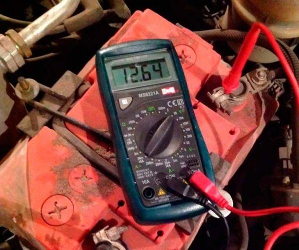 На ВАЗ-2114 плохо и низко светят фары, что делать?