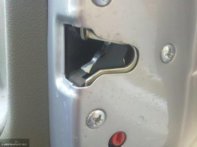 Плохо открываются задние двери на Лада Калина: регулировка, видео
