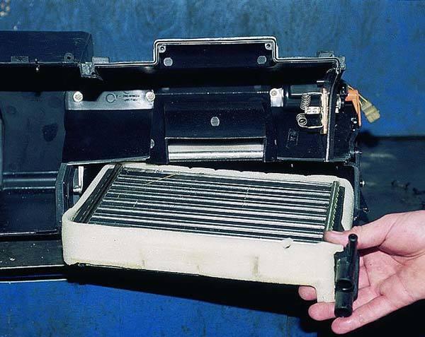 Как на ВАЗ-2110 поменять радиатор печки: старый и новый образец