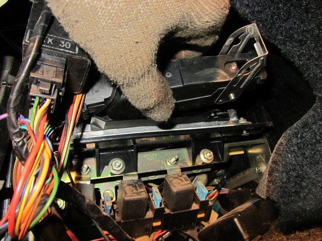 Где находится ЭБУ на ВАЗ-2112 16 клапанов: фото мозгов