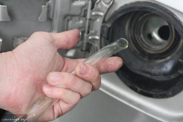 Как слить бензин из бака на ВАЗ-2114: фото и видео